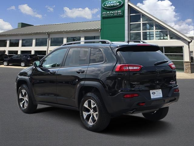 Pre-Owned 2018 Jeep Cherokee Trailhawk 4x4