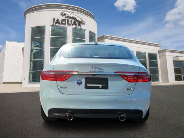 Pre-Owned 2018 Jaguar XF Sedan 35t Prestige AWD *Ltd Avail*